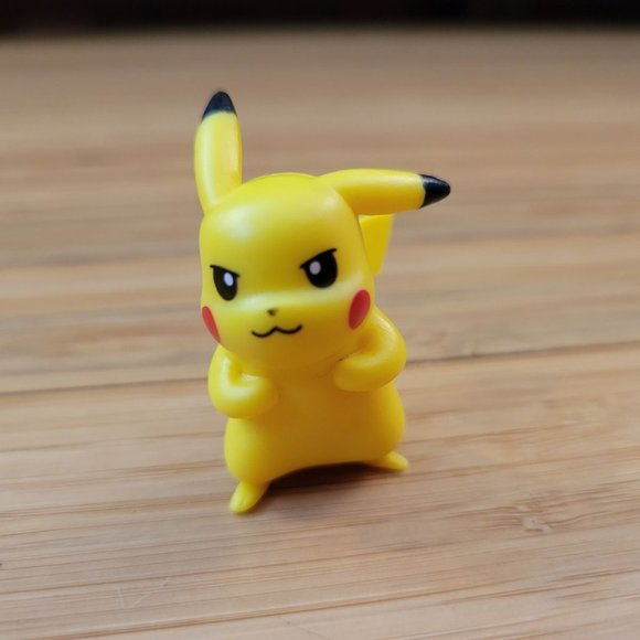 Pokemon Pikachu figurine